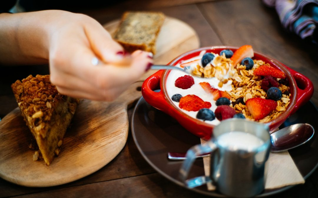 Jak souvisí jídlo a mlsání s našimi emocemi a jak se dostat do harmonie?